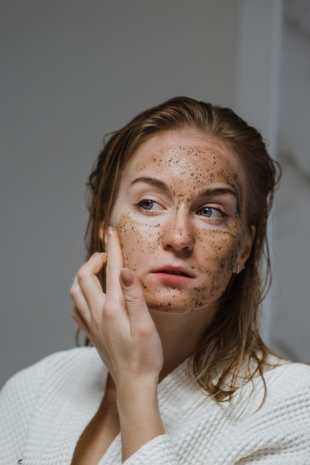 Home Remedies To Fight Adult Acne